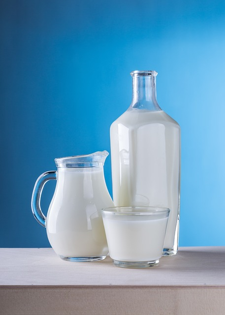 milk helps to make strong bones