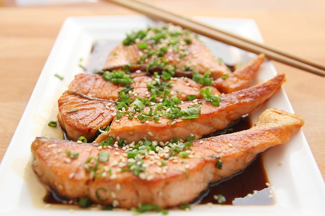 Salmon the health foods for men to consume