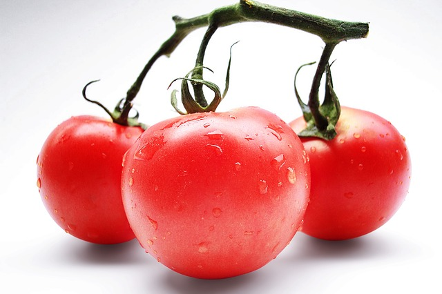 tomatoes helps to overcome Polycystic Ovary Syndrome